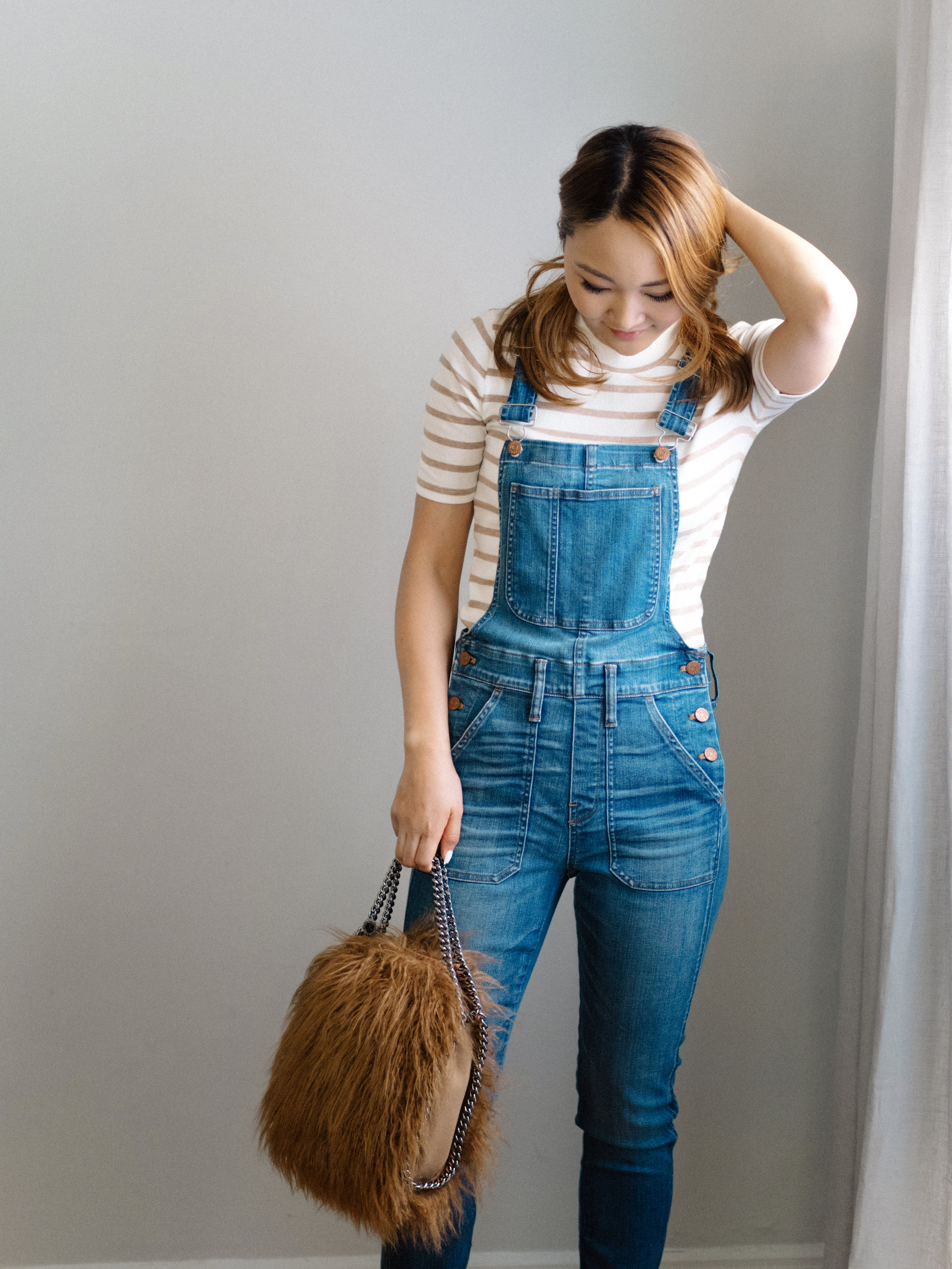 denim overal outfit